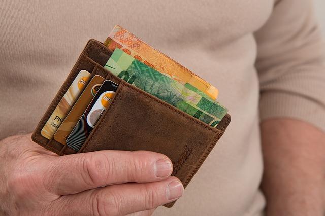 billetera-con-dinero